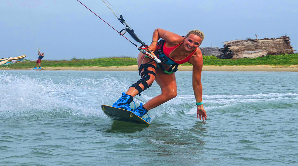 Kite Surfing , Kalpitiya ,Action & Adventure Tours , Sri Lanka, fantasylankatours.com